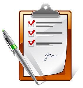 клипборд, с листом бумаги на котором стоят галочки, и ручка