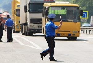 сотрудник гаи на дороге