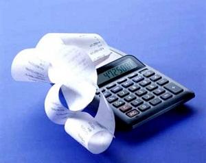 страховая компания, помимо компенсационной суммы, уплачивает клиенту неустойку