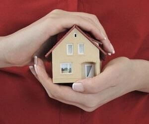 дом на руках