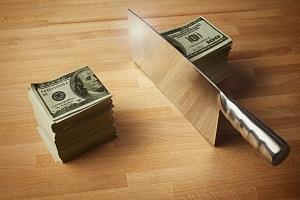 пачка денег разрезанная пополам